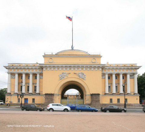 Чернега А.В., Восточный павильон Адмиралтейства. 15.07.2012.