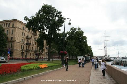 Чернега А.В., Адмиралтейская набережная. 15.07.2012.