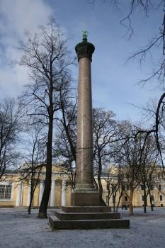 Колонна в саду Академии художеств. 2008.02.16.
