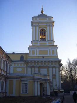 Колокольня Свято-Троицкого собора. 2005.12.11.