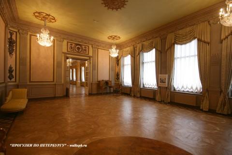 Зал в особняке Н. П. Румянцева. 2008.04.05.