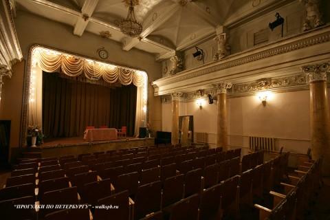 Театральный зал в доме А. С. Меншикова. 2009.12.12.