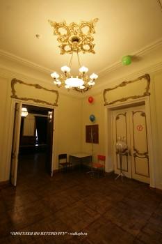 Зал в доме А. С. Меншикова. 2009.12.12.