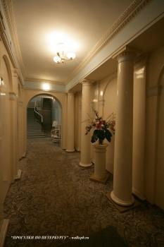 Вестибюль дома Е. М. Долгоруковой. 2010.12.08.