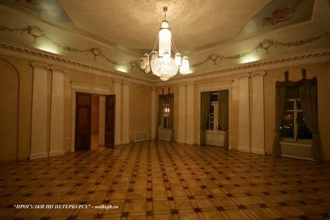 Зал в доме Е. М. Долгоруковой. 2010.12.08.
