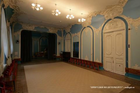 Зал в особняке Н. Н. Башкирова. 2009.11.10.