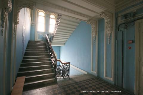 Чернега А.В., Парадная лестница в доме Набоковых. 22.07.2012.