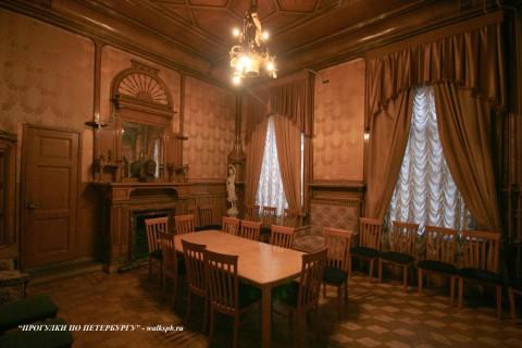 Жёлтый кабинет в особняке А. Ф. Кельха. 2008.11.04.