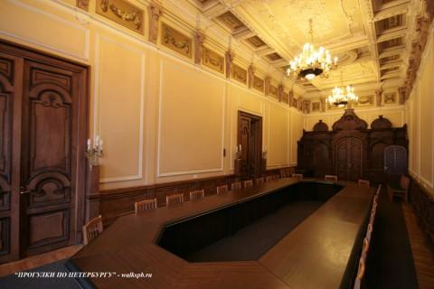 Столовый зал во дворце вел. кн. Ольги Александровны. 2009.08.16.