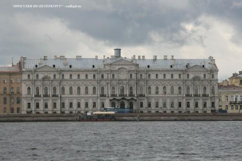 Чернега А.В., Ново-Михайловский дворец. 15.07.2012.