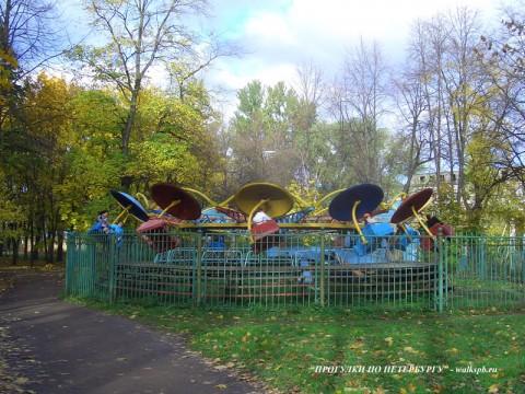 Аттракцион в парке Екатерингоф.