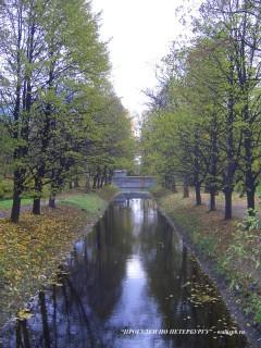 Подъездной канал в парке Екатерингоф.