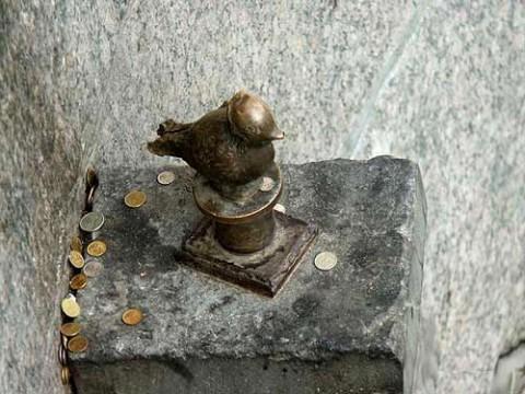 Памятник Чижику-Пыжику.