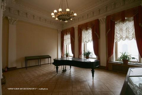 Зал в особняке Зубова. 2011.04.09.