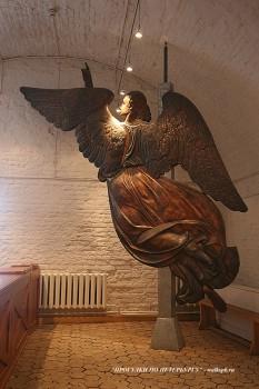 Ангел шпиля Петропавловского собора. 2008.04.20.