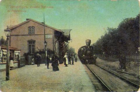 Удельная, вокзал железной дороги.