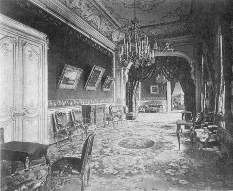 Красная гостиная в особняке А. А. Половцова. 1910 г..
