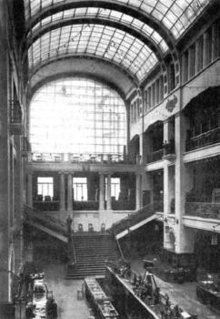 Дом Гвардейского экономического общества. Интерьер торгового зала. 1910-е.