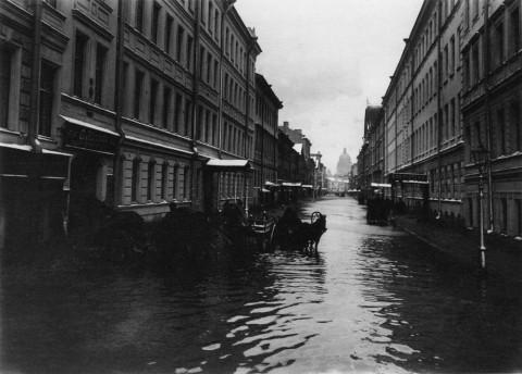 Фотоателье Буллы, Подъяческая улица во время наводнения. 12.11.1903.