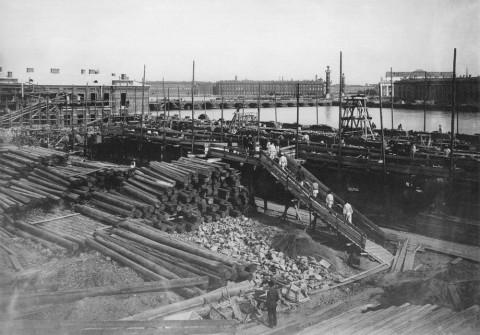 Булла К. К., На строительстве 2-го Казённого винного склада. 1910-е гг..