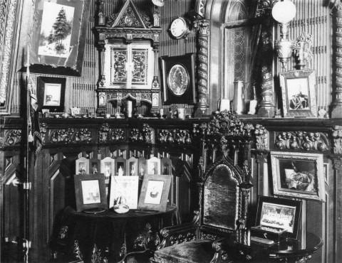 Фотоателье Буллы, Кабинет в доме графа А. Д. Шереметева в имении Ульянка. 1908-1909 гг..