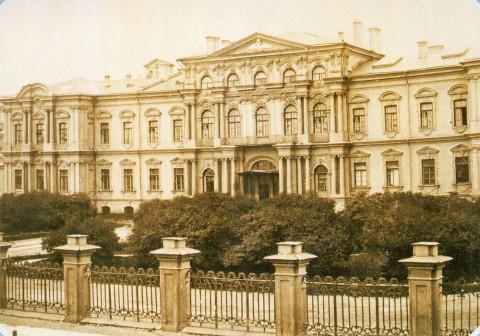 Неизвестный фотограф, Воронцовский дворец (Пажеский корпус) на Садовой улице. 1860-е.