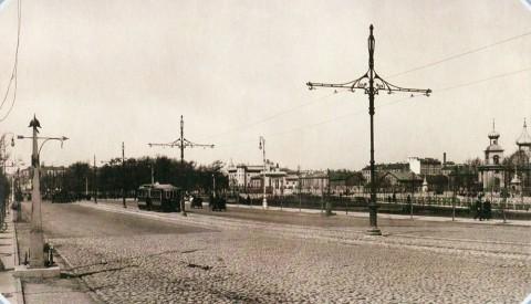 Булла К. К., Троицкая площадь. 1910-е гг..
