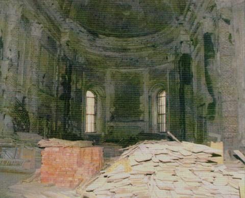 Интерьер храма. Алтарная часть до реставрации. 1995.