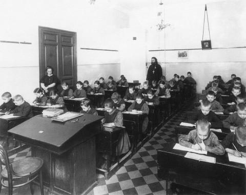 ����� �. �., ���� � ����� ��� ����������� �������� ��������� � ������� ��������������� ����������-�������� �������� ���������. 1909 �..