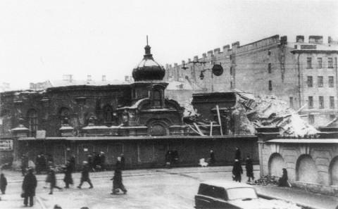 Неизвестный фотограф, Церковь Успения Пресвятой Богородицы (Спасо-Сенновская) после взрыва. 1961 г..