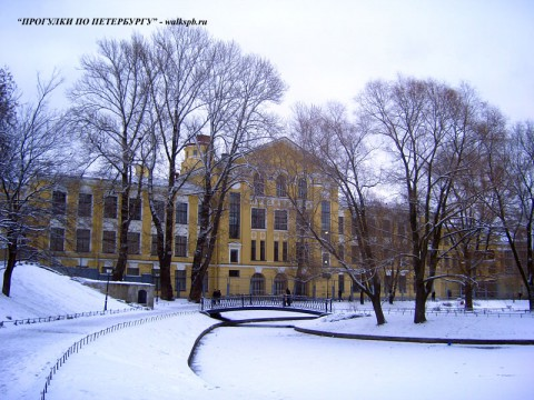 Юсуповский сад.