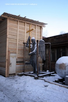 Фигура ангела церкви святой великомученицы Екатерины. 2008.02.19.