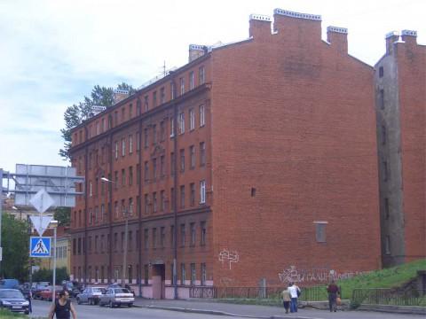 Камская ул., 10. 2007.06.17.