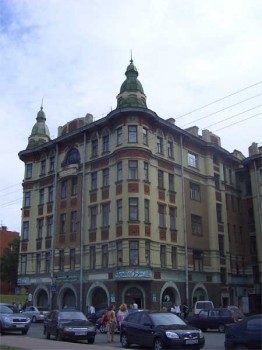 Камская ул., 12. 2007.06.17.