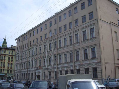 Камская ул., 14. 2007.06.17.