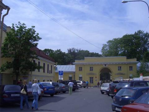 Камская ул., 22. 2007.06.17.
