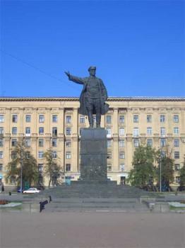 Памятник С. М. Кирову. 2006.08.06.