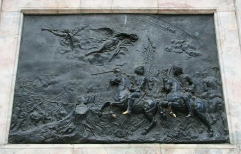 Барельеф на памятнике Петру I «Полтавская баталия». 2008.08.14.