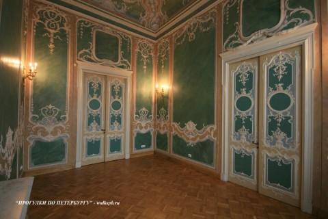 Зелёный зал в особняке М. В. Кочубея. 2009.03.01.