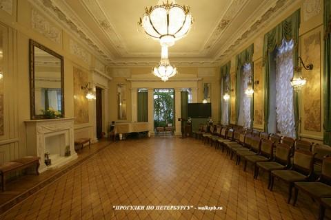 Белый зал в особняке М. Ф. Кшесинской. 2011.01.15.