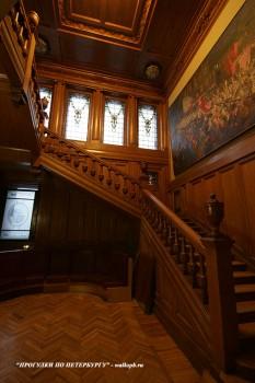 Лестница в особняке В. Э. Брандта. 2011.01.15.