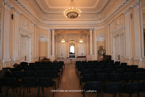 Танцевальный зал в особняке О. В. Серебряковой. 2009.03.21.