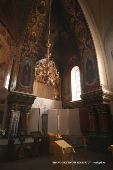 Зал церкви Успения Пресвятой Богородицы. 2008.02.16.