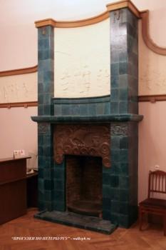 Камин в доме Ф. Г. Бажанова. 2009.02.02.