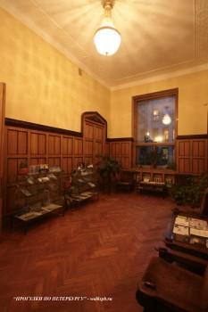 Гербовый зал в доме Ф. Г. Бажанова. 2009.02.02.