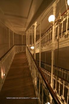 Лестница-пандус в Мариинском дворце. 2009.03.05.