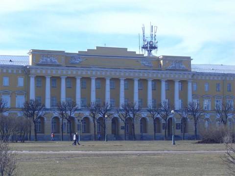 Здание казарм Павловского полка. 2006.04.09.