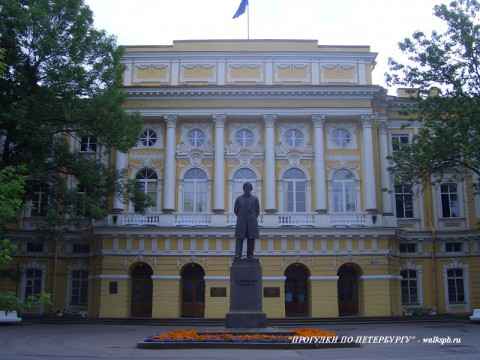 Дворец Разумовского. 2007.07.14.