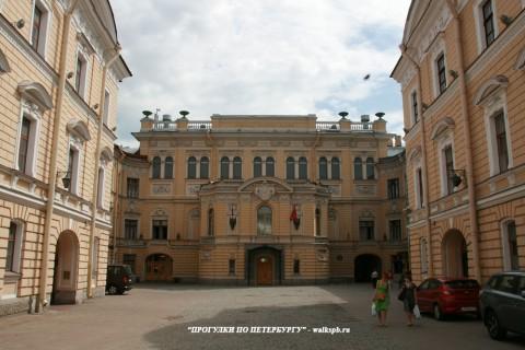 Чернега А.В., Здание Государственной академической капеллы. 06.06.2013.