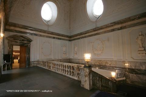 Парадная лестница Мраморного дворца. 2009.12.13.